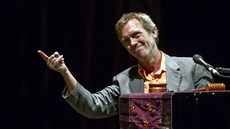 Hugh Laurie (aka Dr. House) s The Copper Bottom Bandem vystoupili v Kongresovém...