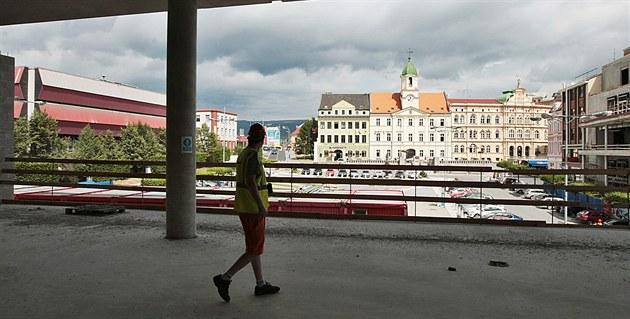 Teplice – Plzeň Photo: Hrubá Stavba Galerie Teplice Je Hotová, Zaparkují V Ní I