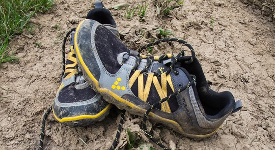 TEST  Boty Vivobarefoot Neo Trail přidají běhání rozměr navíc - iDNES.cz 83a95e154d