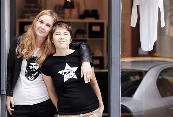 Nejprve nabízely Eleonora Přikrylová a Lenka Attelová jen dětské oblečení fb7928e662