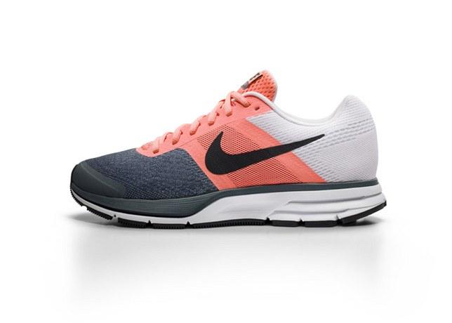 dcc85d7751f Fotogalerie  Takhle vypadá bota Nike Air Pegasus pro ženy.