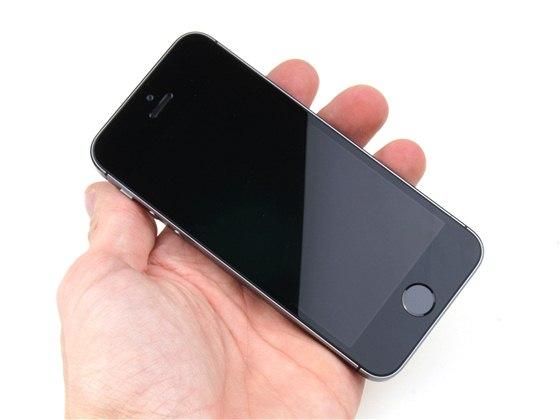 Apple iPhone 5s. Dalších 59 fotografií v galerii 338e98f33aa