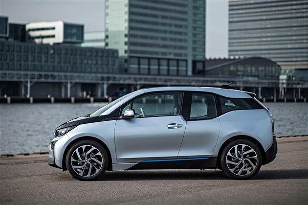 Německo tlačí elektromobilitu, zvýšilo dotace. Polovinu zaplatí automobilky
