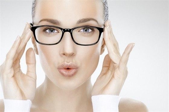 Stylové dioptrické brýle v rytmu nejžhavějších trendů - iDNES.cz 0634247955e