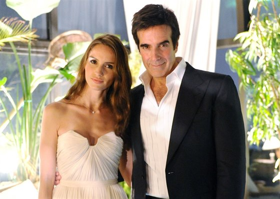 Chole Gosselinová a David Copperfield (14. září 2011)