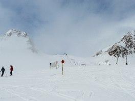 Ledovec Tiefenbach nabízí většinou mírné modré sjezdovky a kvalitní sníh.