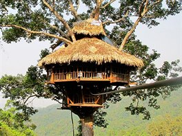 The Gibbon Experience Treehouse, rezervace Bokeo, Laos