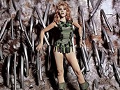 Jane Fondová ve filmu Barbarella (1968)
