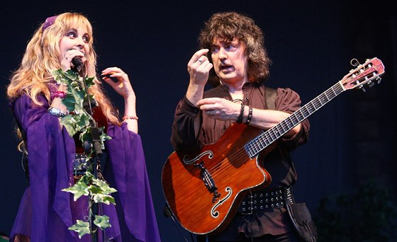 Candice Night a Ritchie Blackmore na Sychrově v roce 2009.