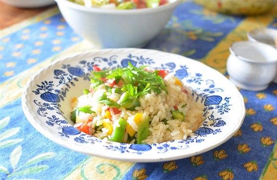 985fbb3c6b1 Jeden z obědů - rýžový salát se ...