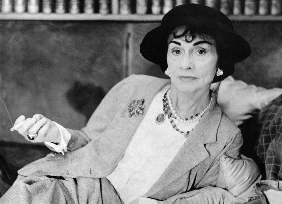 Tvrdohlavá Coco Chanel  ženám dala pohodlí a dostupný luxus - iDNES.cz 74dbfa1358