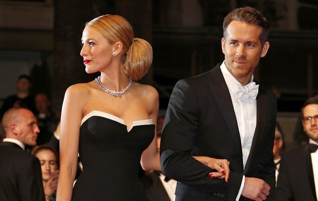 Blake Lively a Ryan Reynolds (Cannes, 16. května 2014)