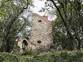 Z 13 metrů vysoké rozhledny v parku Cibulka je výhled na Motol a zdejší...