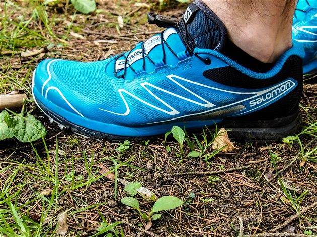 Na první pohled bota zaujme povedeným jednoduchým designem a ... 7c5121db71