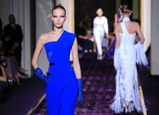 V Paříži si momentálně koná týden módy haute couture 0e4e9453db