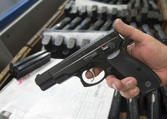 sexuální pistole černé Arabové