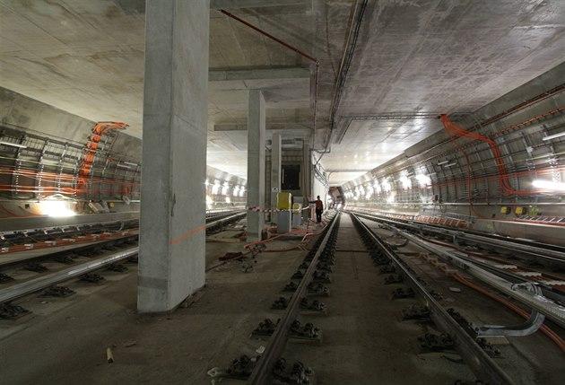 Projd te si nov metro z bo islavky do motola p jde zde for Do metro trains have bathrooms