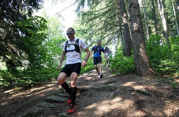 Chystáte se na běžecký výlet do hor? Poradíme vám co si s sebou sbalit