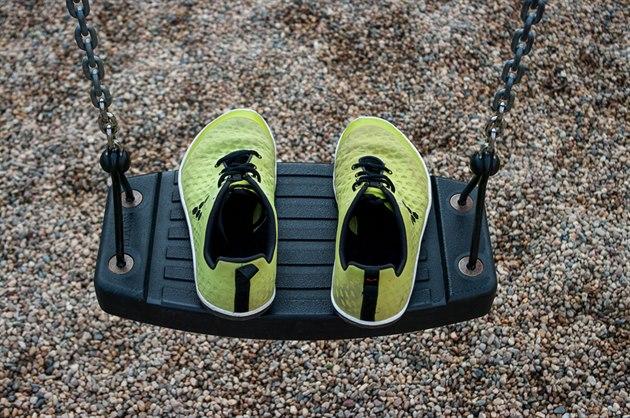 TEST  Vivobarefoot Stealth - bosé boty 2c6824be50