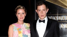 Nicky Hiltonová a James Rothschild (New York, 10. dubna 2013)