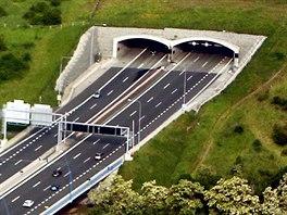 Komořanský tunel je součást jižní části Pražského okruhu. (Ilustrační snímek)