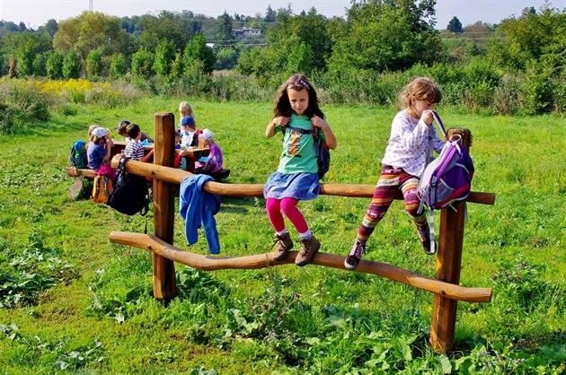 V Novém Městě se otevře alternativní škola, dětem už koupila maringotku