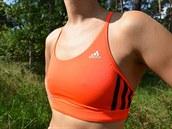 1468875cb70 Test podprsenek pro malá ňadra · Oboustranná podprsenka adidas působí velmi  dobře i při nošení bez trička.