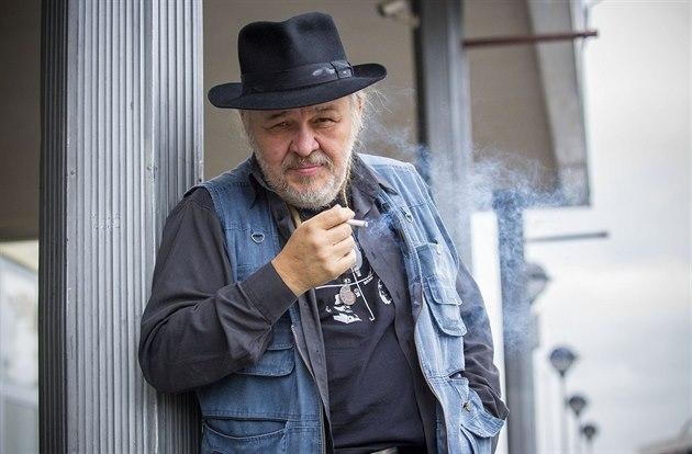 Zemřel svérázný valašský zpěvák a herec František Segrado