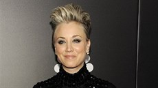 Kaley Cuoco Sweetingová na The People Magazine Awards (Beverly Hills, 18....