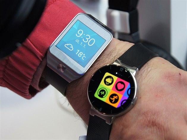 21b03bc4d1f Nejhezčí chytré hodinky nestojí moc a fungují i s iPhonem - iDNES.cz