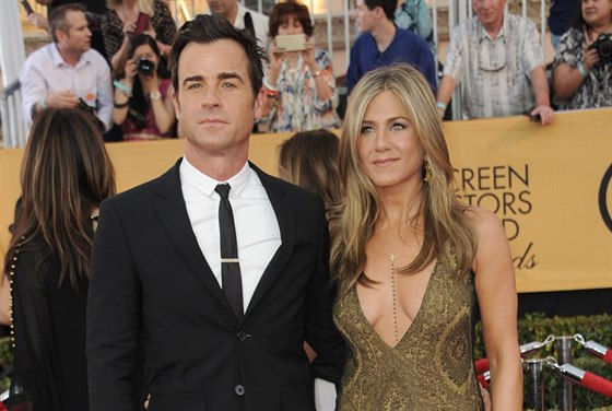 Justin Theroux a Jennifer Anistonová (Los Angeles, 25. ledna 2015)