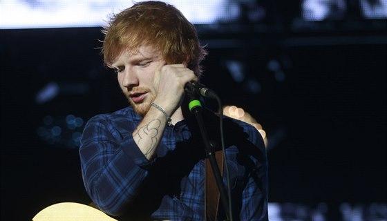 Ed Sheeran Svuj Prazsky Koncert Vyprodal Behem Dne A Pridava Dalsi