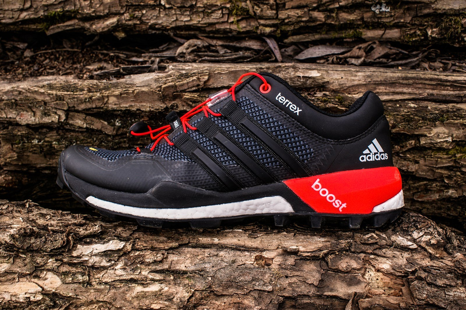 Fotogalerie  Adidas Terrex Boost - přináší premiéru tlumicí pěny Boost do  terénu. a15ce99d741