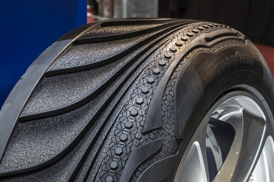 Pneumatika Goodyear Triple Tube