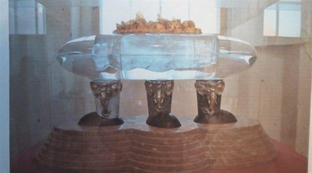 skleněný sarkofág