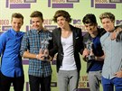 One Direction: Louis Tomlinson, Liam Payne, Harry Styles, Zayn Malik a Niall...