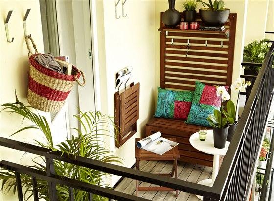 Posezení na malý balkon