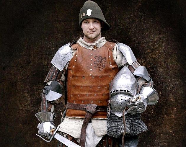 Vracíme do šermu středověkou brutalitu 9e1f52928a