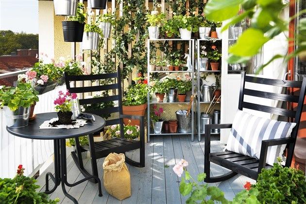 kafe zahr dka nebo grilov n jak si vytvo it balkon sn. Black Bedroom Furniture Sets. Home Design Ideas