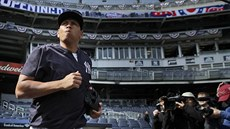 Alex Rodriguez po roce a pl oblékl res New York Yankees.