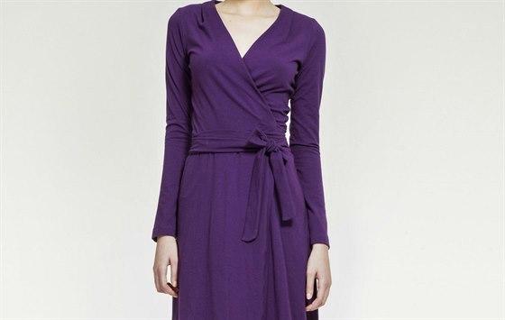 e463dffa434 Zavinovací šaty si pořiďte v několika barvách. Pohodlně se nosí