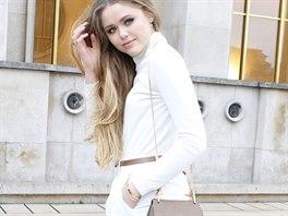 795423d281f Módní blogerka Kristina Bazanová se díky svému stylu oblékání vyšvihla mezi.