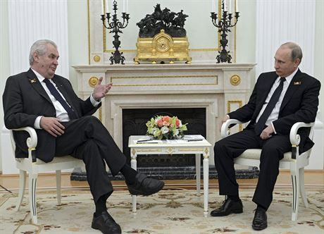 Prezident Miloš Zeman při setkání se svým ruským protějškem Vladimirem Putinem...
