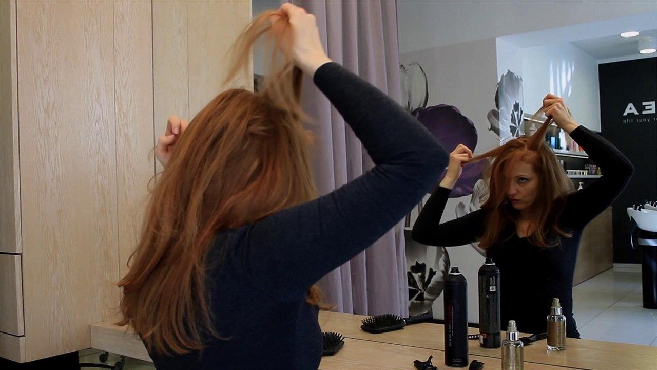 fe38cef20f9 Tímhle trikem získají vaše vlasy na objemu - iDNES.cz