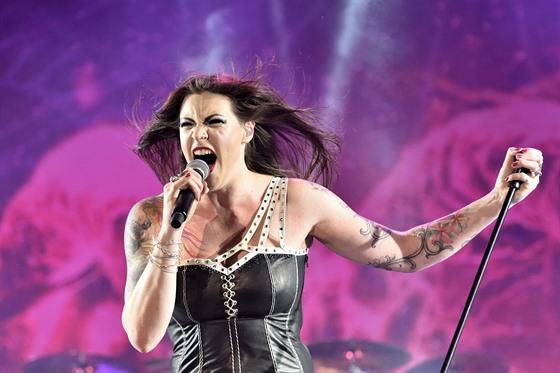Floor Jansen z kapely Nightwish (Masters of Rock 2015)