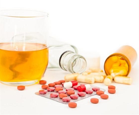 alkohol na antibiotika