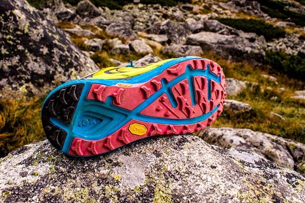 6f5f93cf142 Podrážky běžeckých bot  na co si dávat pozor a jak vybrat tu pravou ...