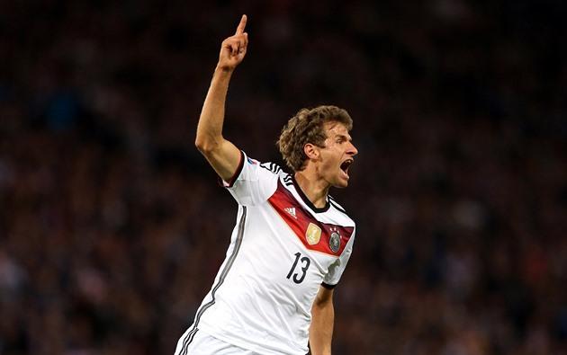 Tyskland gjorde tre poäng i Skottland, polerna gjorde åtta mål