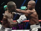 Floyd Mayweather (vpravo) a Andre Berto.