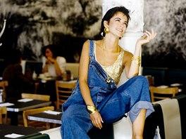 Lacláče na fotografii jsou z kolekce DKNY pro podzim 1991, ale v průběhu dekády...
